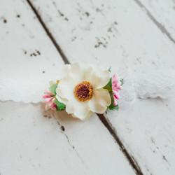 Koronkowa opaska z kwiatkiem